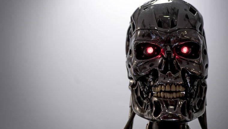 Un endoesqueleto T-800 utilizado en Terminator 2: Judgment Day (1991) en la exhibición de recuerdos de películas de Prop Store en el BFI IMAX en Waterloo en el centro de Londres.